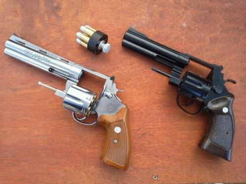 revolver-battle